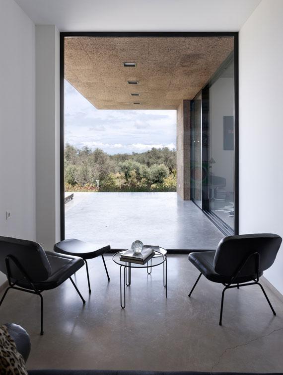 casa11 All white walls Villa Extramuros In Arraiolos Designed by Vora Arquitectura