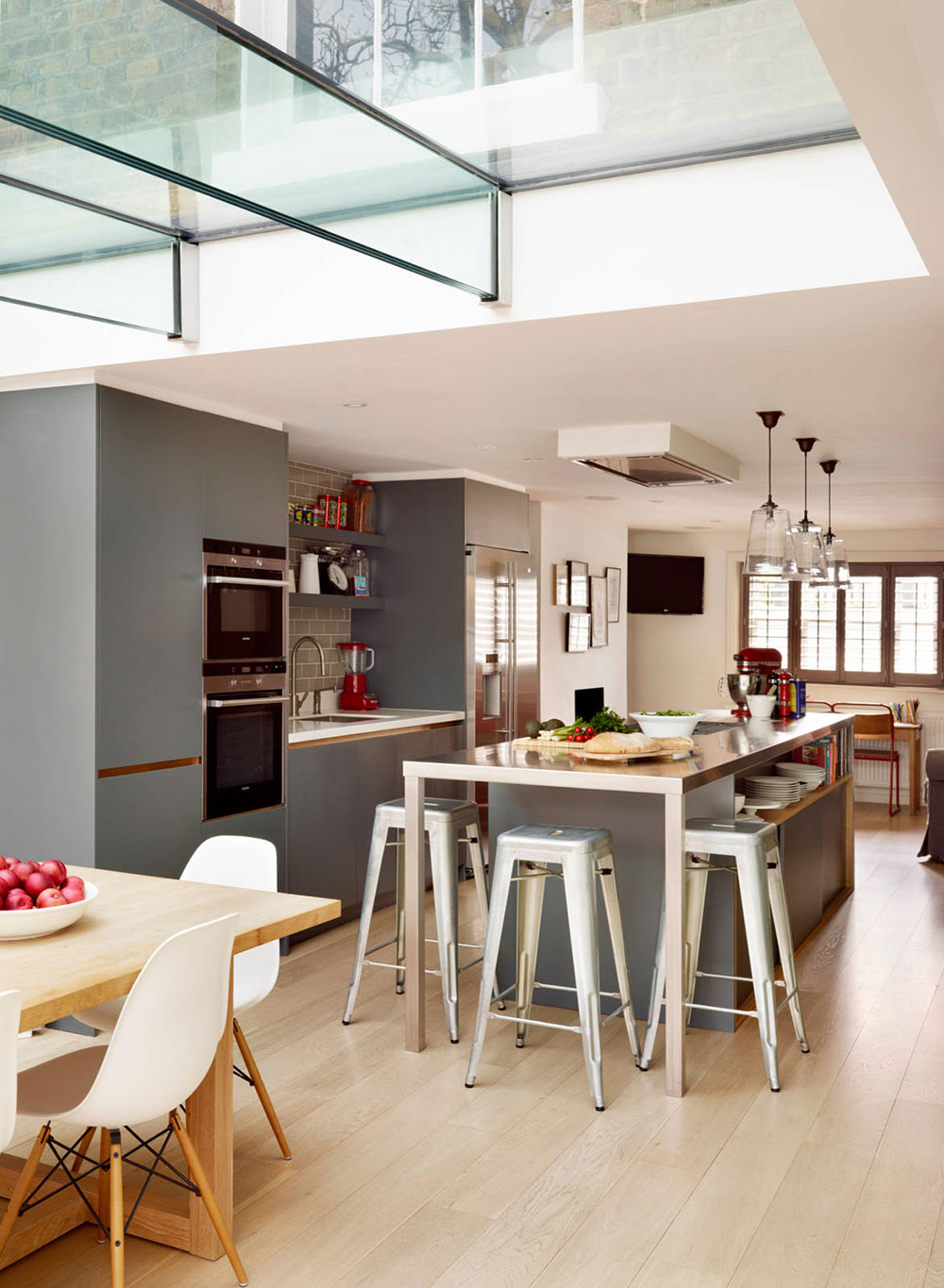 The advantages and disadvantages of open and closed kitchens2 The advantages and disadvantages of open and closed kitchens