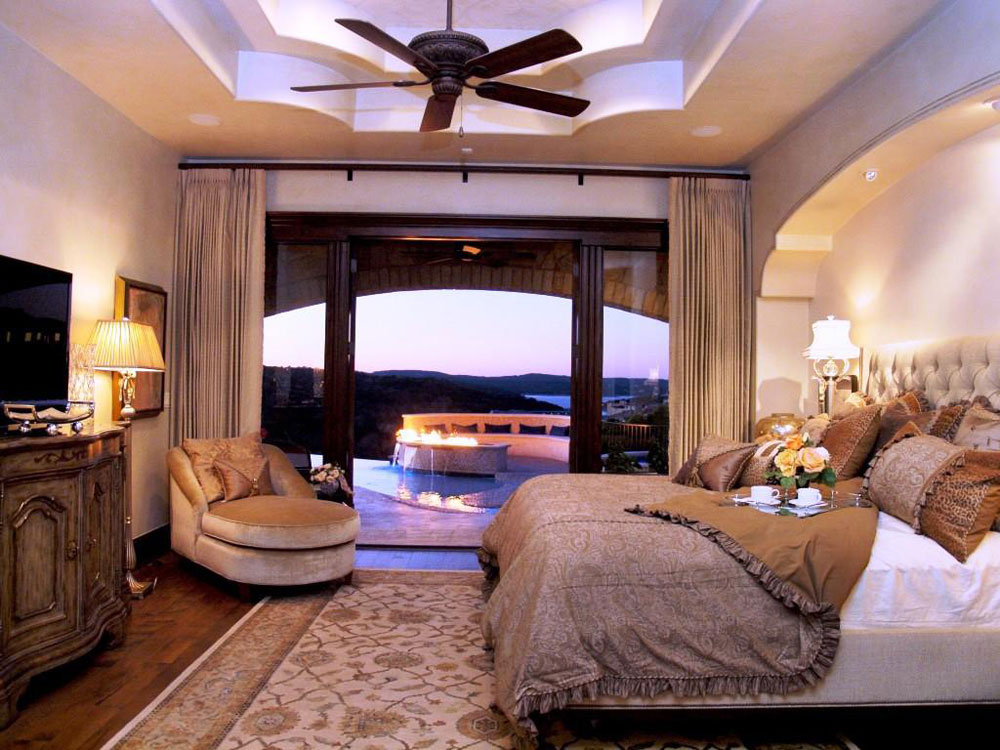 Creating an eye-catching focal point in your master bedroom 12 Creating an eye-catching focal point in your master bedroom