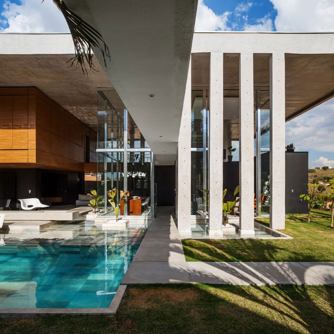 The Botucatu House stands as an architectural masterpiece 5 The Botucatu House stands as an architectural masterpiece