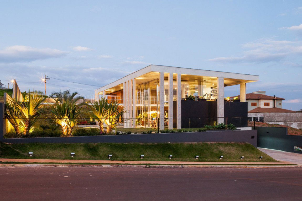 The Botucatu House stands as an architectural masterpiece 18 The Botucatu House stands as an architectural masterpiece
