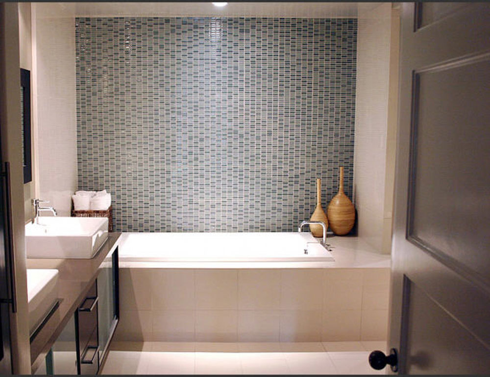How to decorate a small bathroom and still save space 2 How to decorate a small bathroom and still save space