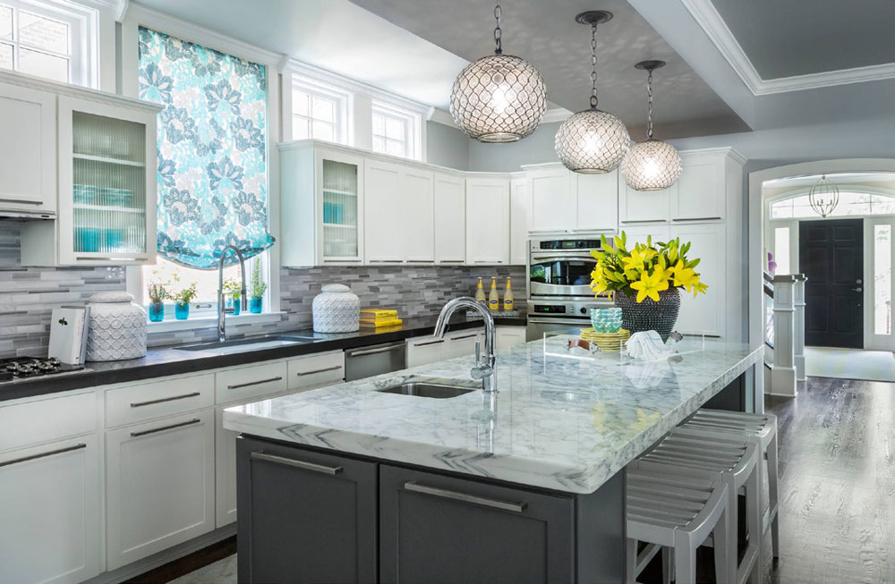 Tips and Guidelines for Decorating Over Kitchen Cabinets 1 Tips and Guidelines for Decorating Over Kitchen Cabinets