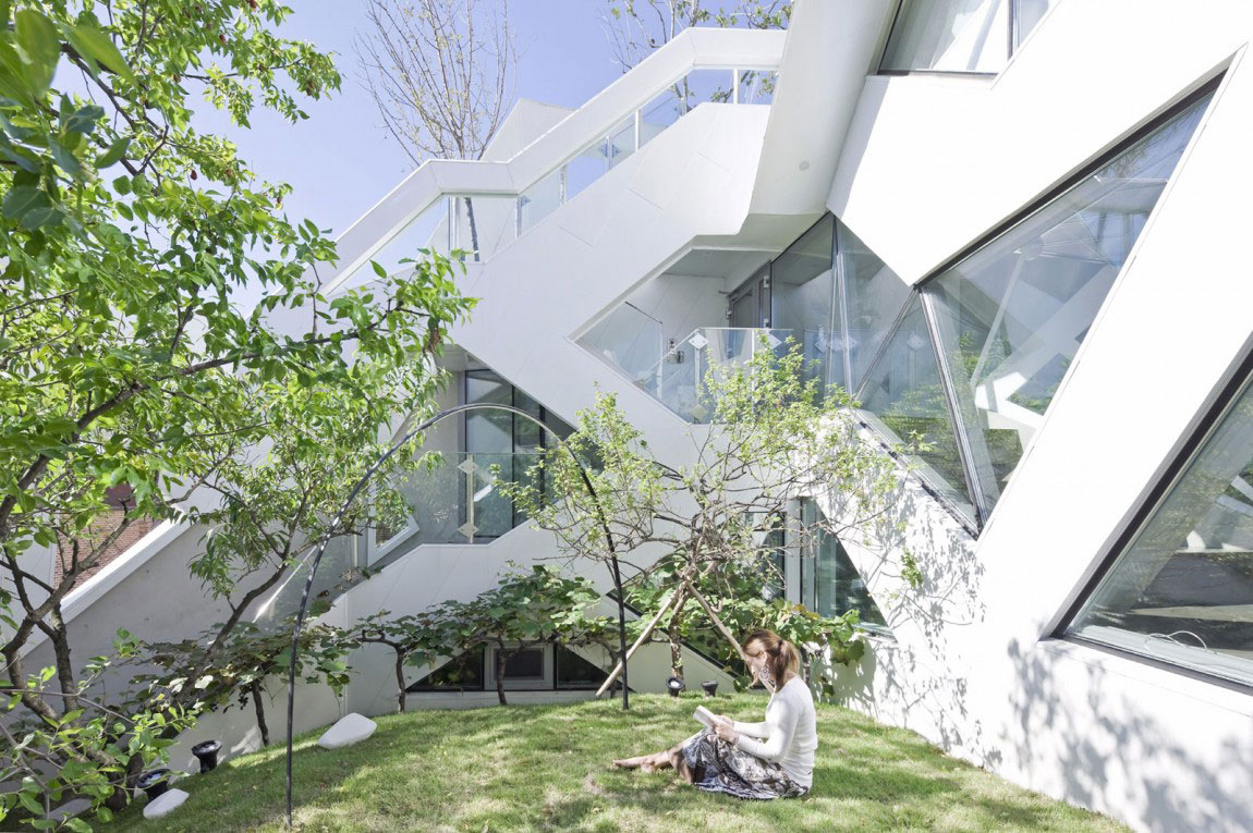 The modern Hwa Hun House, designed by IROJE-KHM-Architekten-7 The modern Hwa Hun House, designed by IROJE KHM Architects