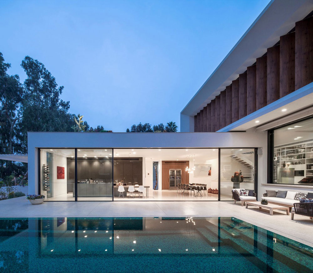 TV-house-a-true-miracle-of-modern-architecture-15 TV-house, a true wonder of modern architecture