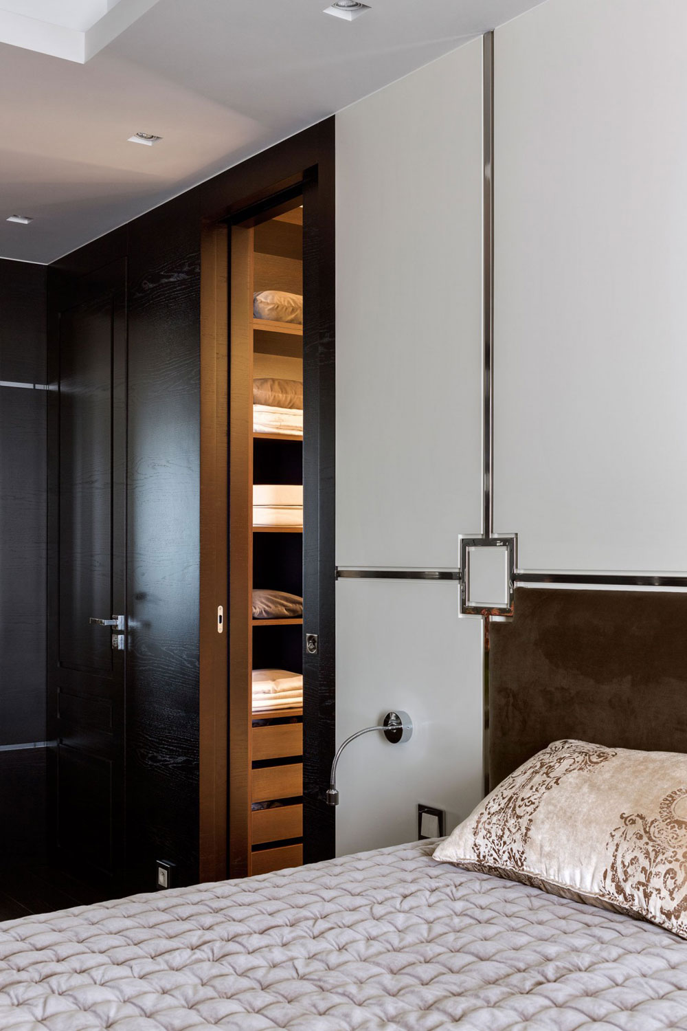Apartment-with-the-look-and-feel-of-a-luxury-hotel-room-suite-12-Apartment-with-the-look-and-feel-of-a-luxury-hotel room-suite