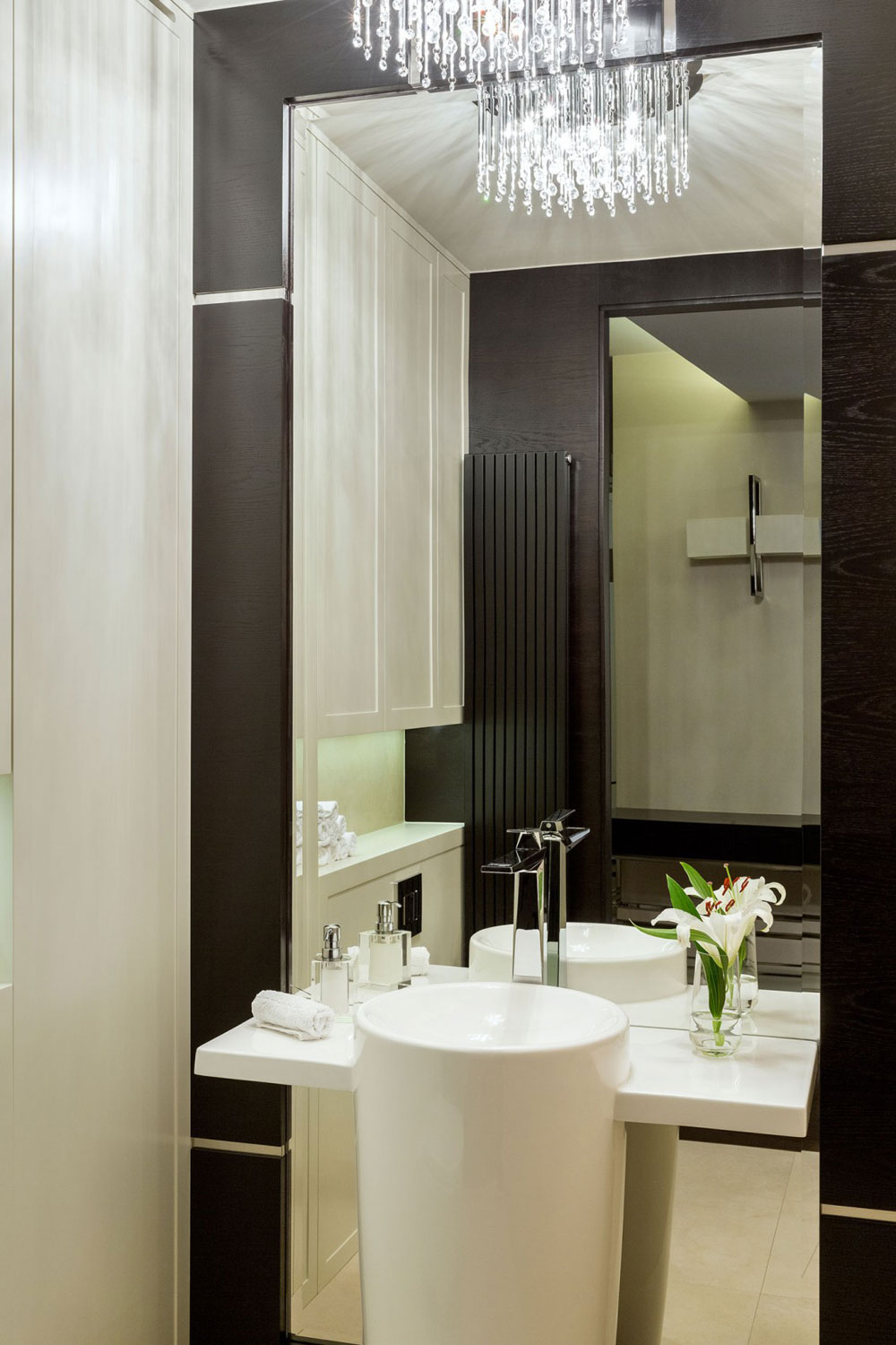 Apartment-with-the-look-and-feel-of-a-luxury-hotel-room-suite-17-Apartment-with-the-look-and-feel-of a luxurious-hotel room-suite