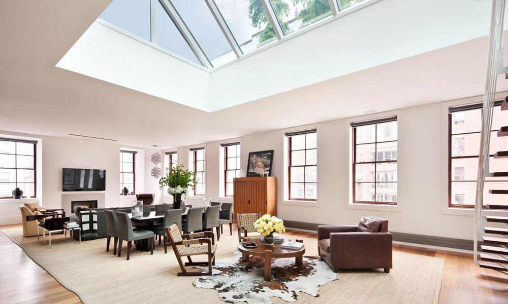 Living rooms with skylights that provide natural light 3 living rooms with skylights that provide natural light
