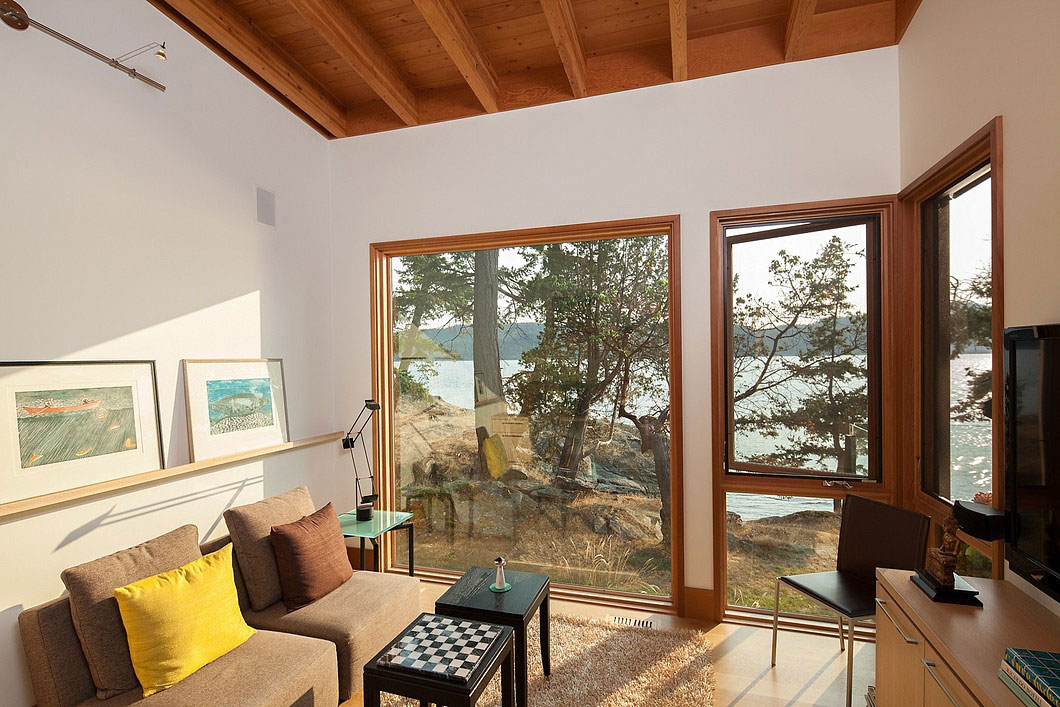 Saturna-island-retreat-and-its-large-expansive-windows-9 Saturna-island-retreat and its large, expansive windows