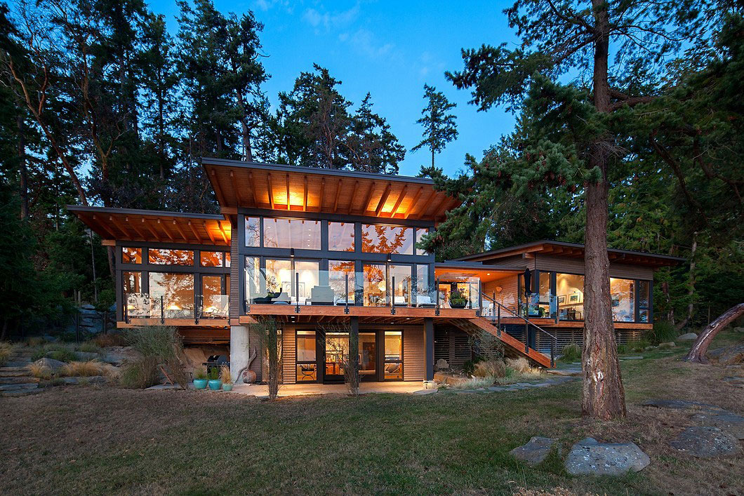 Saturna-island-retreat-and-its-large-expansive-windows-20 Saturna-island-retreat and its large, expansive windows