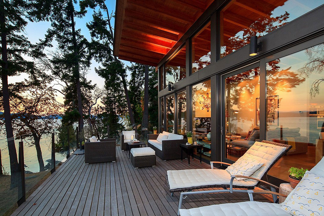 Saturna-island-retreat-and-its-large-expansive-windows-17 Saturna-island-retreat and its large, expansive windows