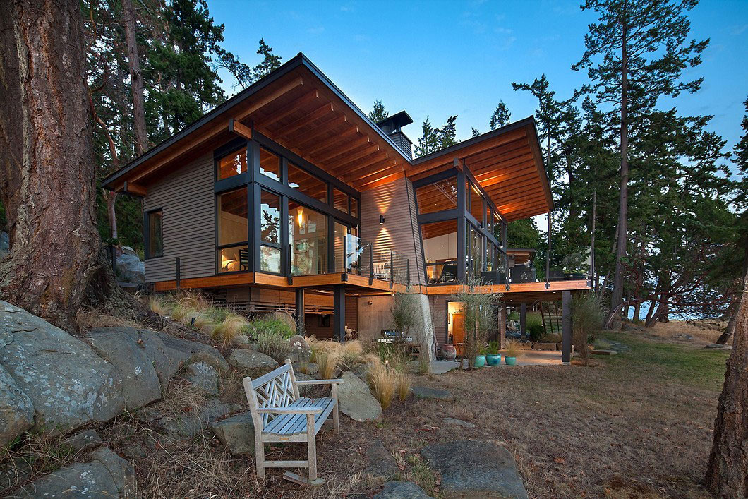 Saturna-island-retreat-and-its-large-expansive-windows-18 Saturna-island-retreat and its large, expansive windows