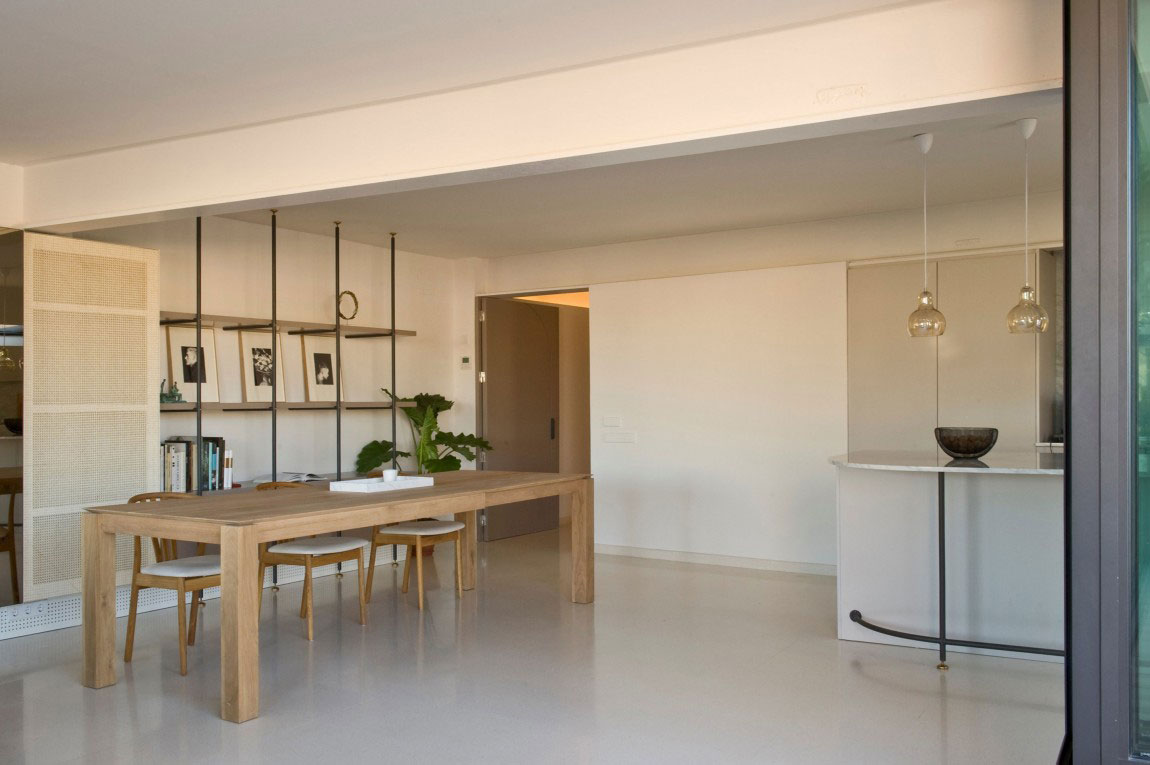 Spacious penthouse-with-a-nice-balance-of-furniture-and-interior-decorations-7 Spacious penthouse with-a-nice-balance-of-furniture-and-interior-decorations
