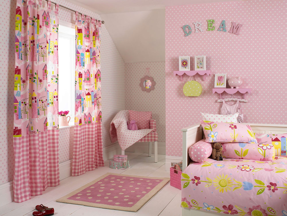 Decorating-your-house-interiors-with-polka-dots-9 Decorate your house interior with polka dots