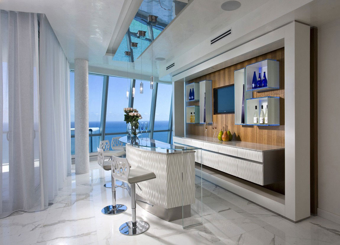 Elegant-ocean-penthouse-with-lots-of-hanging-lights-11 Elegant-ocean-penthouse with lots of hanging lights