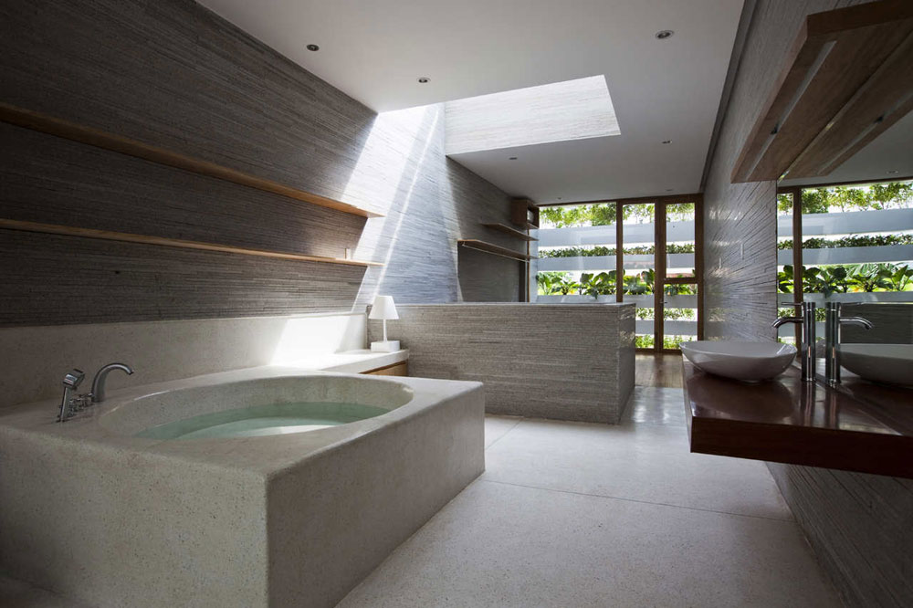 Bathrooms-with-skylights-you-reconsider-how-to-remodel-7-bathrooms with skylights that will make you rethink how you are designing them