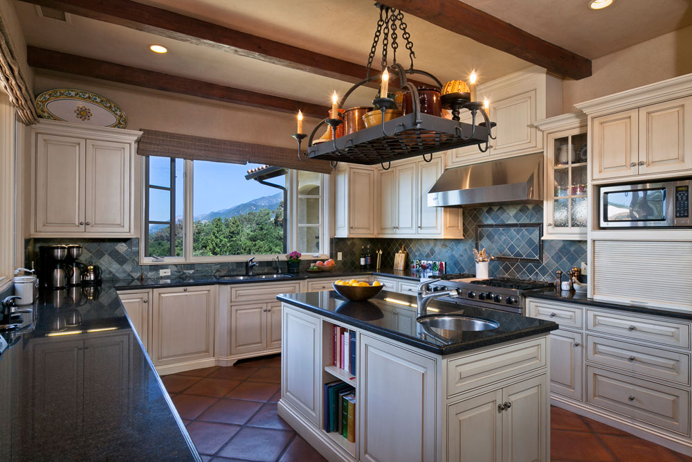 Mediterranean Kitchens That Might Inspire You To Remodel Or Redecorate Your Own 6 Mediterranean Kitchens That Might Inspire You To Remodel Or Redecorate Your Own