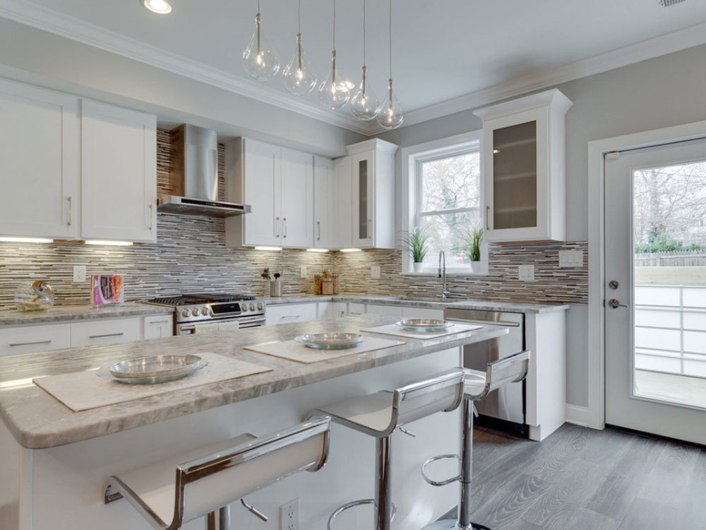 Lovely-Kitchen-Interiors-With-White-Cabinets-11 Beautiful kitchen interiors with white cabinets