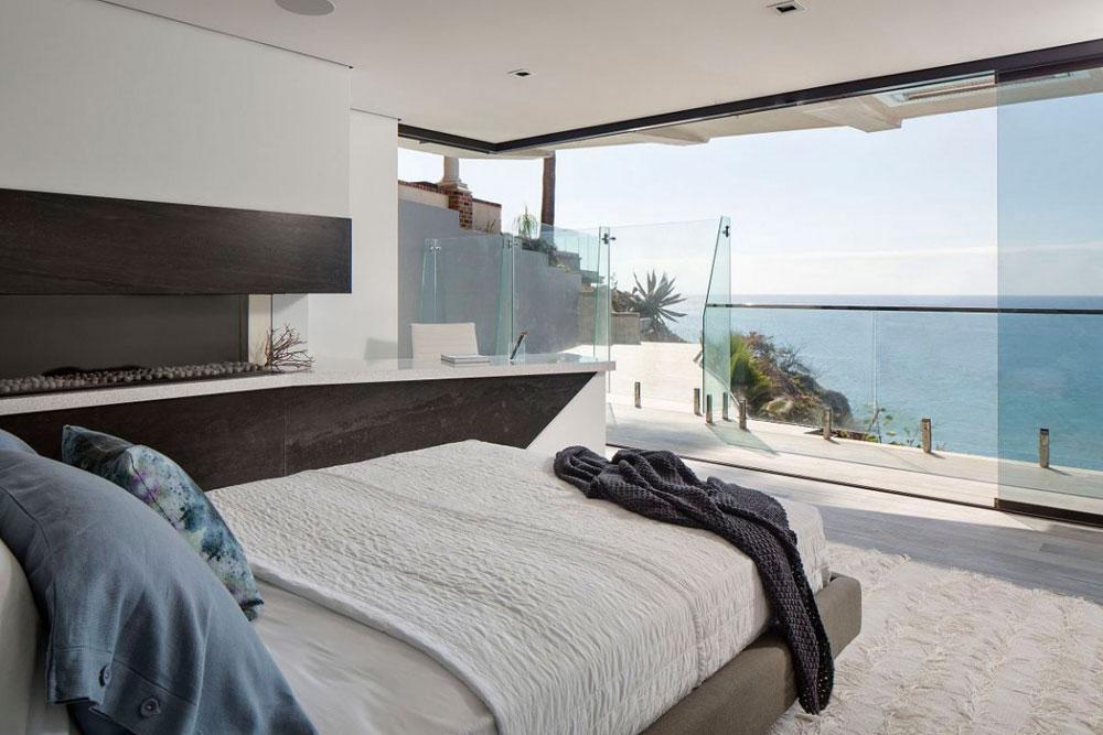 Stunning-Laguna-Beach-House-designed-by-Mark-Abel-and-Myca-Loar-16 Stunning-Laguna-Beach-House designed by Mark Abel and Myca-Loar