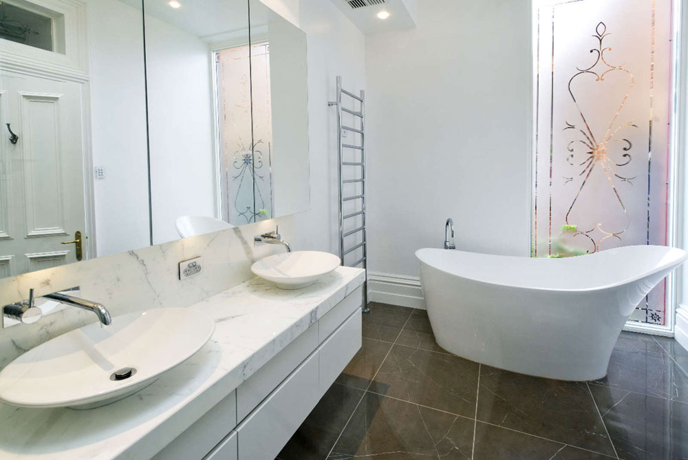Classic-Bathroom-Interior-Design-Examples-That-Stand-Out-20 Classic-Bathroom-Interior-Design-Examples-That Stand Out