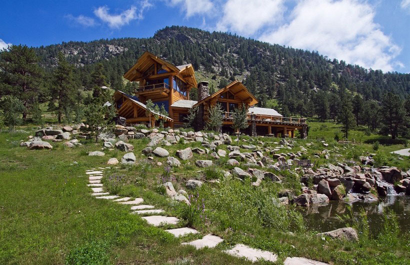 A-Cozy-and-natural-log-house-Designed-by-Kathy-Scott-21 A cozy and natural log-house