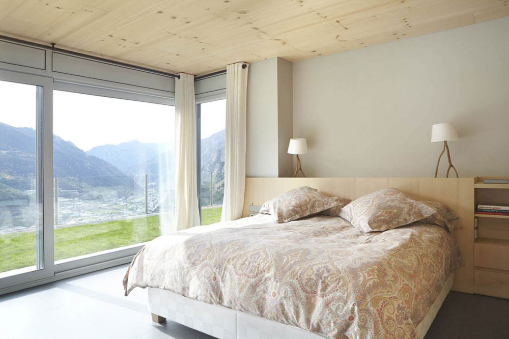 Modern and stylish bedrooms designed by interior designers-12 Modern and stylish bedrooms designed by interior designers