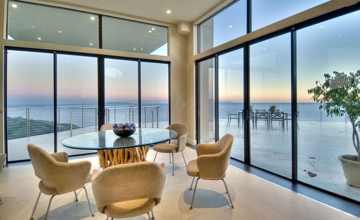 Stunning Beach House in Malibu Beach California 12 Stunning Beach House in Malibu Beach, California