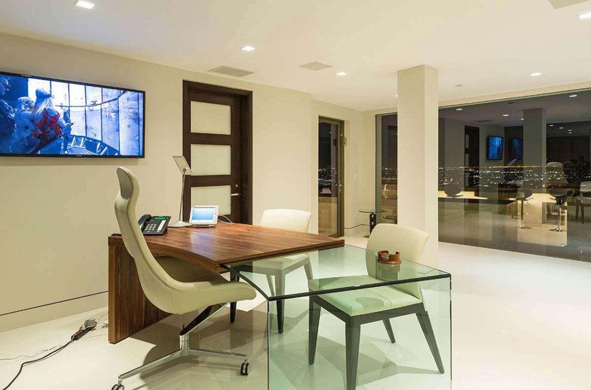 A modern dream home in California with breathtaking views 14 A modern dream home in California with breathtaking views