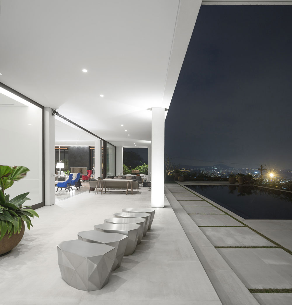 A house designed by Arquitetos-Associados that challenges people's perception 9 A house designed by Arquitetos Associados that challenges people's perception