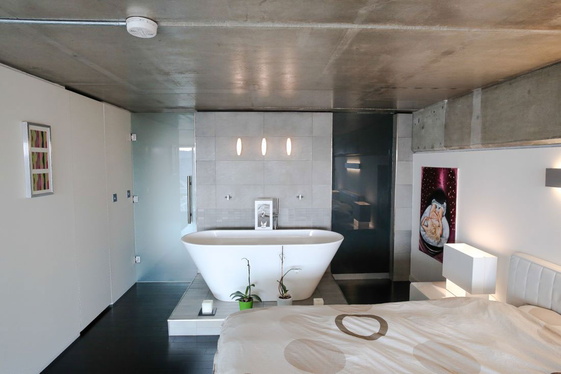 Modern-Minimalistic-in-Shoreditch-11 bathroom interior design images that are available to inspire you