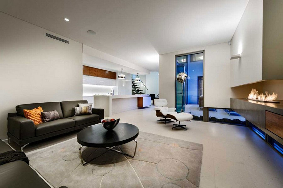 Modern house with fresh interior design and lean architecture 4 Modern house with fresh interior design and lean architecture