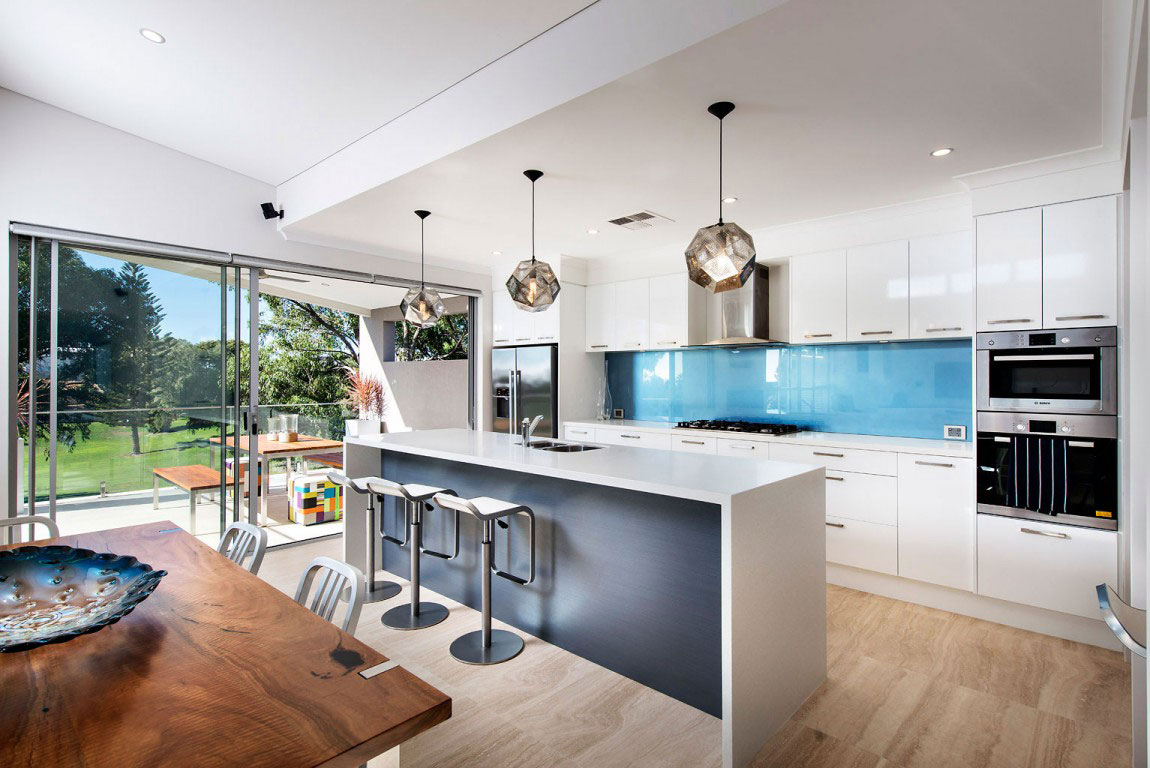 A flashy house with an abundance of windows designed by residential settings 5 A flashy house with an abundance of windows designed by residential settings