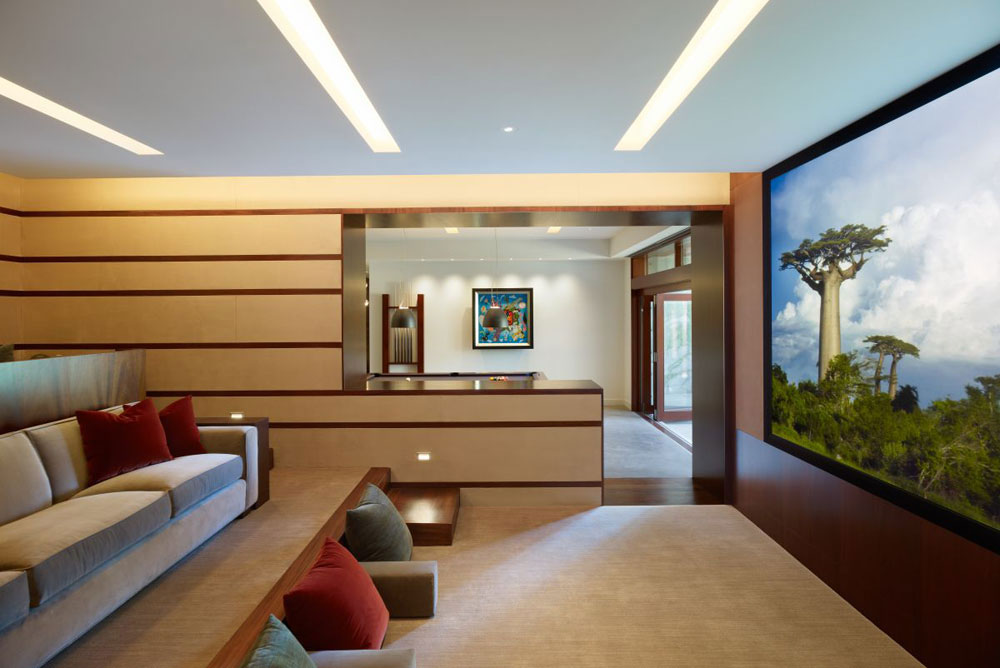 Luxurious home surrounded by trees that complement its elegant furniture 17 Luxurious home surrounded by trees that complement its elegant furniture