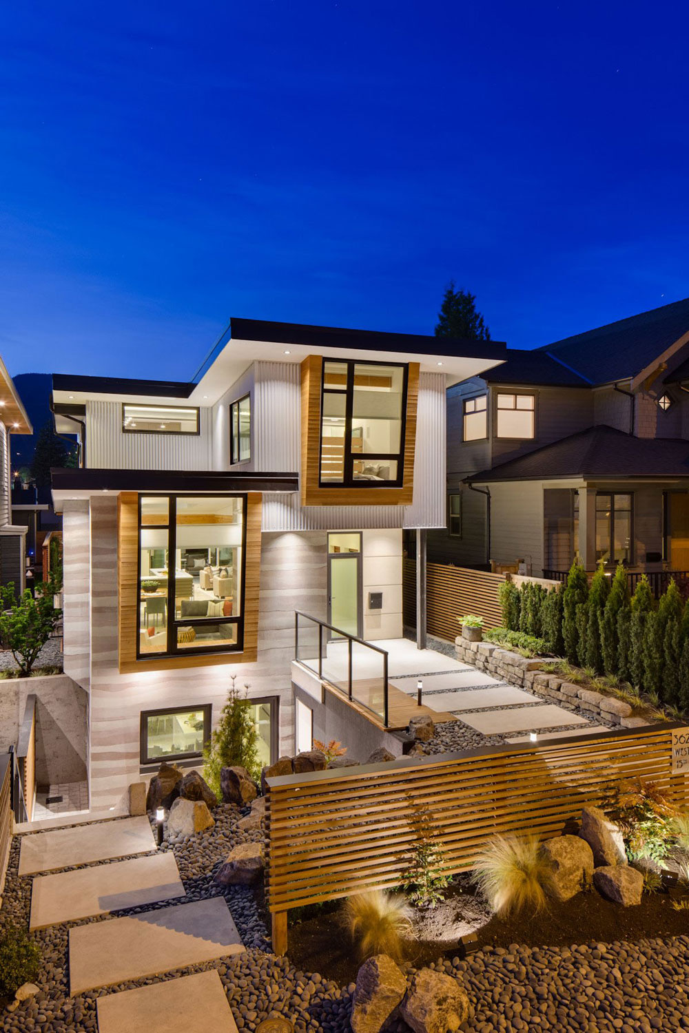 Midori-Uchi-by-Naikoon-Contracting-Kerschbaumer-Design Check out these Canadian architectural examples