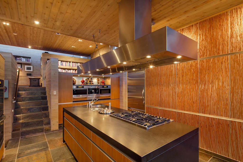 Wonderful-Canadian-house-with-wood-interior-15 Wonderful-Canadian-house with-wood-interior