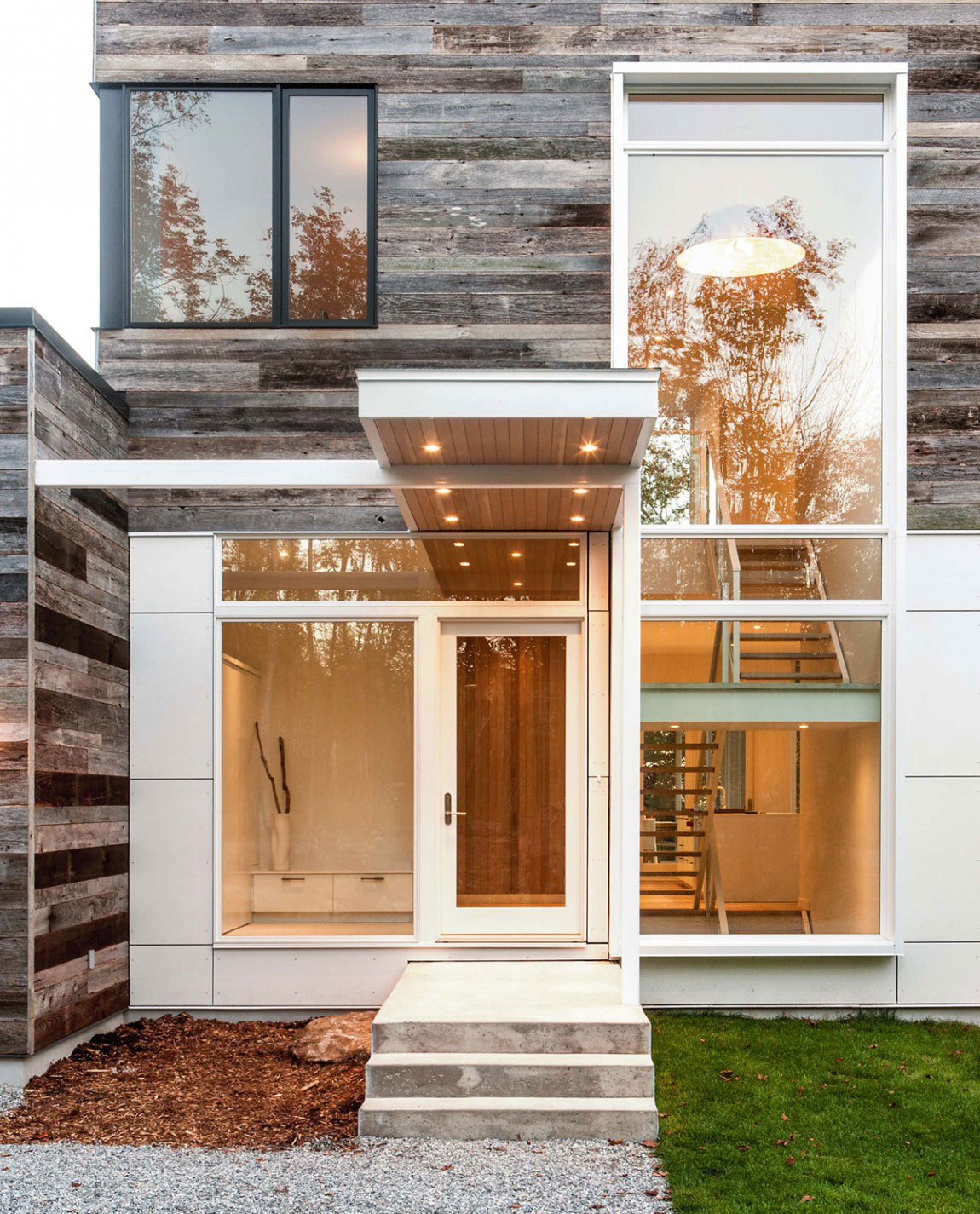 Modern-Canadian-Home-Designed-by-Christopher-5 Modern Canadian home Designed by Christopher Simmonds Architect