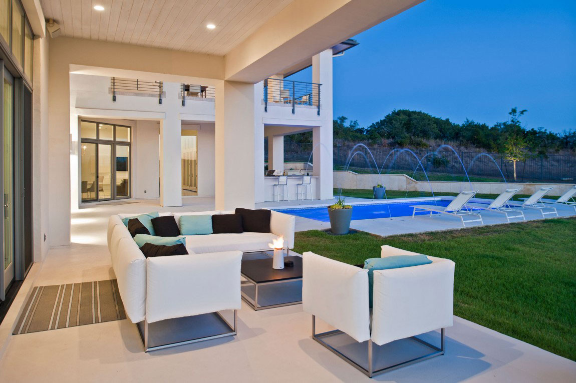 Contemporary home with a modern cottage style 10 Contemporary home with a modern cottage style