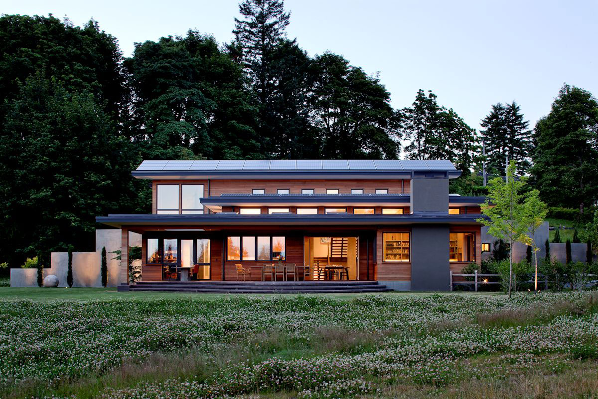 Modern single-family home with contemporary furnishings 4 Modern single-family home with modern furnishings