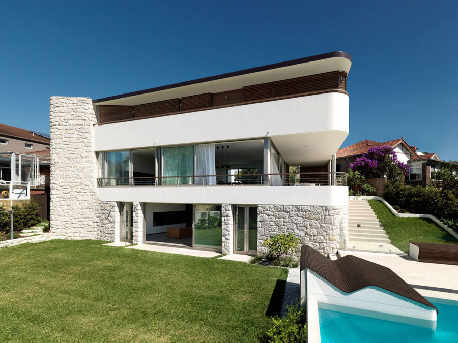 Balcony-over-Bronte-by-Luigi-Rosselli-Architects If you ever design your own house, do it with architecture like this one