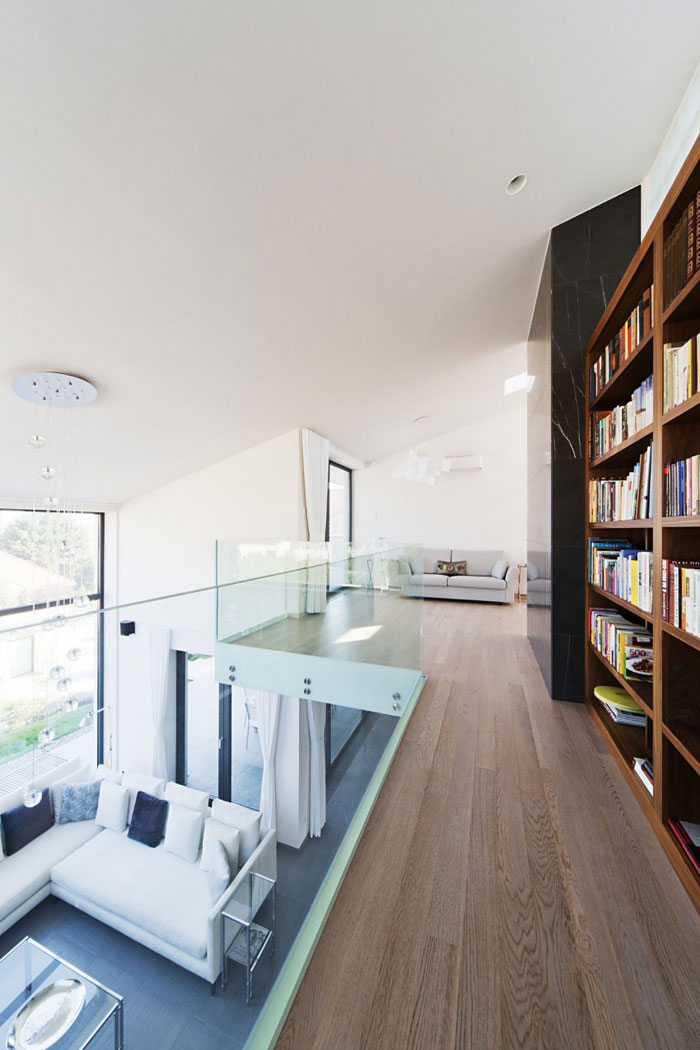 81677574338 Modern sommelier house designed by Sandor Duzs and Architema