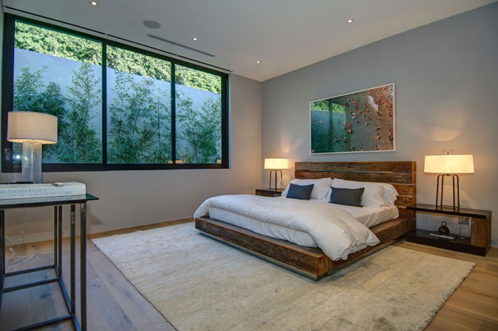 79966330879 Stunning Los Angeles Home With Great Views From La Kaza and Meridith Baer Home