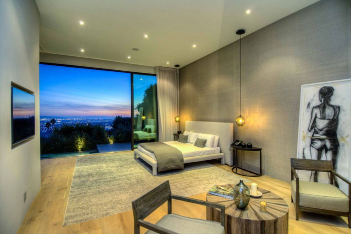 79966374398 Stunning Los Angeles Home with Great Views From La Kaza and Meridith Baer Home