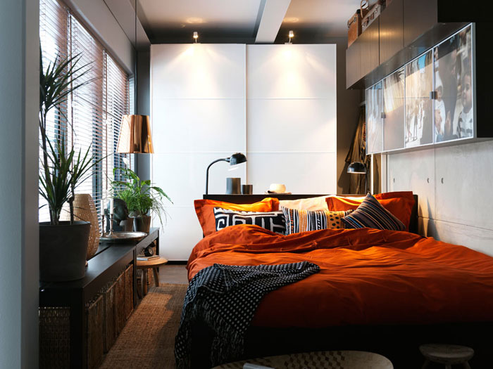 76955202678 Proof that a small bedroom interior can look great