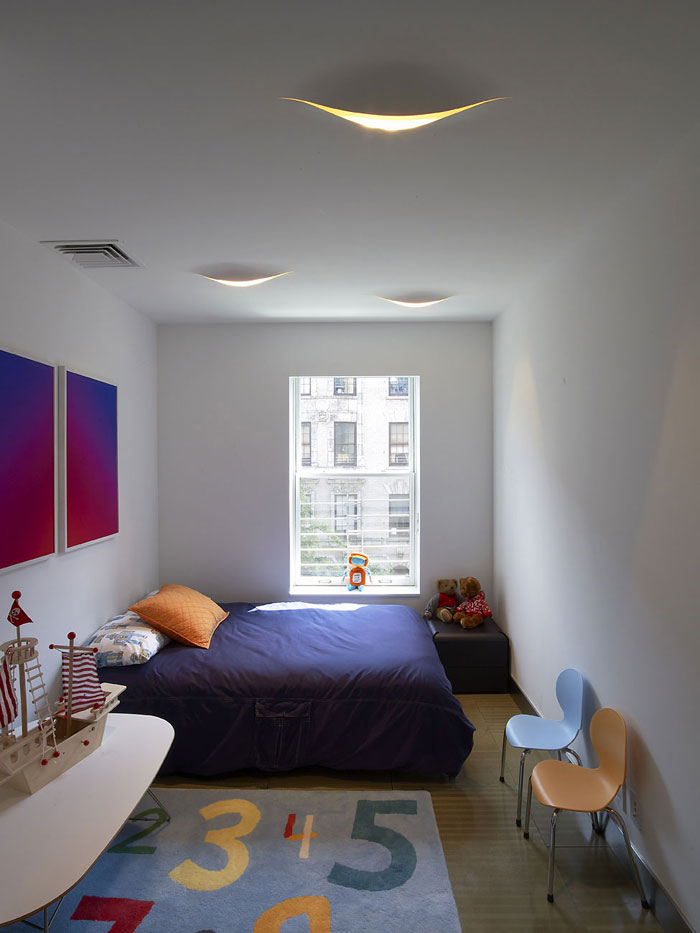 76955222511 Proof that a small bedroom interior can look great