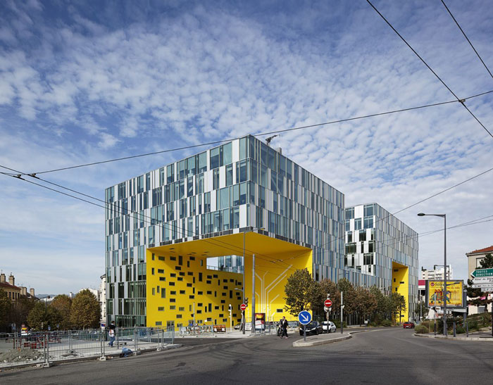 73304298560 Office building with modern architecture that you want to work in