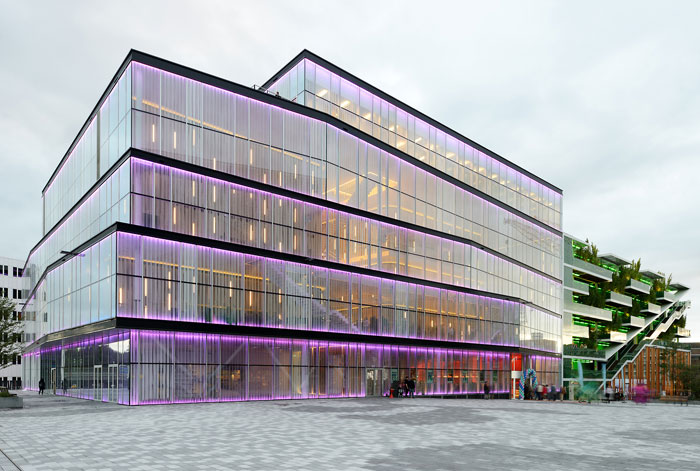 73304397091 Office building with modern architecture that you want to work in