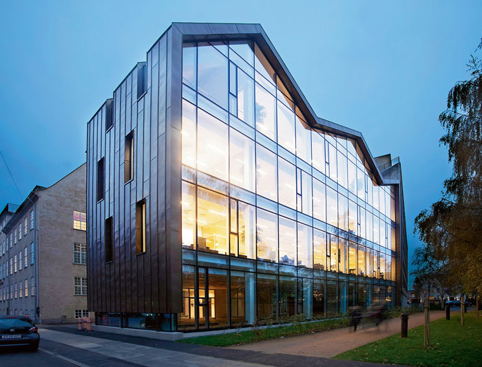 73304345894 Office building with modern architecture that you want to work in