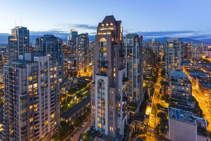 70488624338 The stunning Elysium Penthouse in Vancouver, Canada