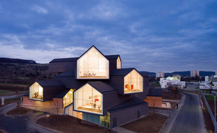 70388265856 Architecture that stands out - buildings with interesting shapes