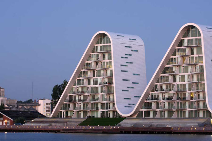 70388257029 Architecture that stands out - buildings with interesting shapes